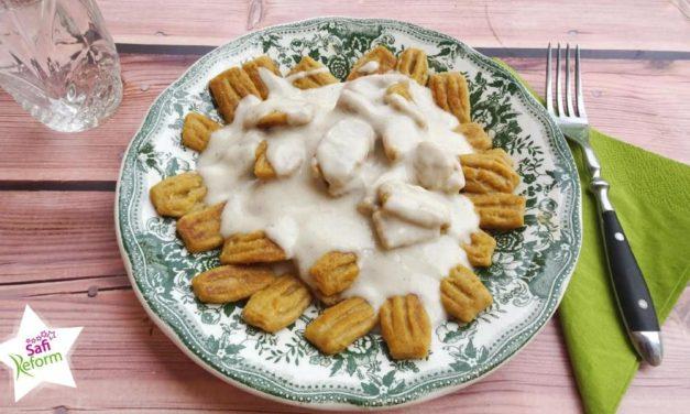 Gnocchi mit Süßkartoffeln, Zucchini & Käsesauce (glutenfrei, kartoffelfrei, kohlenhydratreduziert, maisfrei, sojafrei, Paleo)