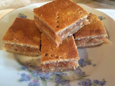 Überbackener Apfelkuchen / Topfenkuchen (eifrei, glutenfrei, hefefrei, milchfrei, ohne Zuckerzusatz, vegan, Paleo)