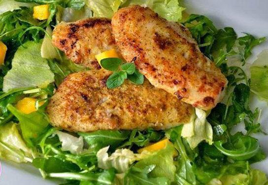 Gebratener Fisch mit Mangosalat (glutenfrei, milchfrei, ohne Zuckerzusatz)