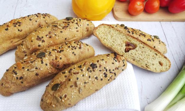 Oliven-Baguette, Baguette mit getrockneten Tomaten (glutenfrei, hefefrei, kohlenhydratreduziert, milchfrei, ohne Hefe, sojafrei, Paleo)