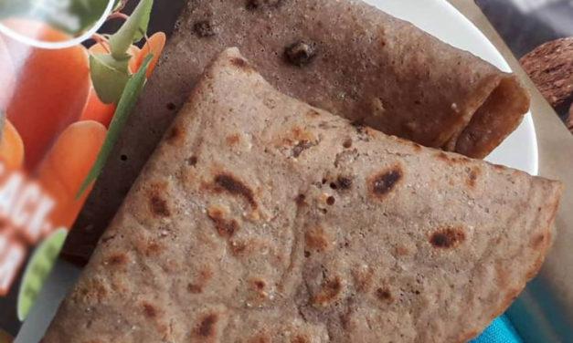 Palatschinken mit Orangen-Schokoladen Geschmack und Marillen (eifrei, fettarm, glutenfrei, milchfrei, sojafrei, vegan)