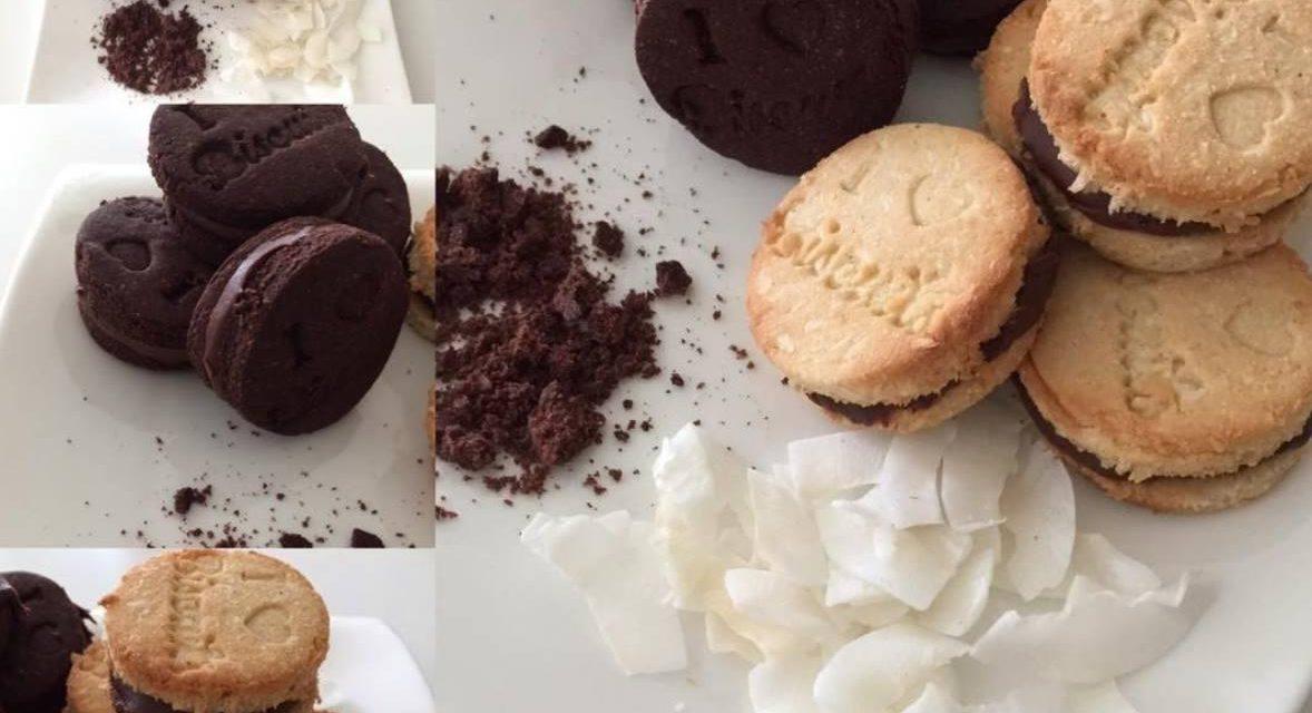 Kekse mit Kakao- und Kokosfüllung (glutenfrei, kohlenhydratreduziert, milchfrei, ohne Zuckerzusatz)