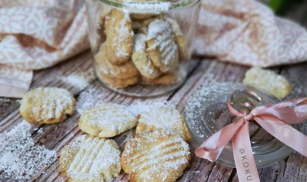 Kokoskekse (glutenfrei, kohlenhydratreduziert, milchfrei, ohne Zuckerzusatz, Paleo)