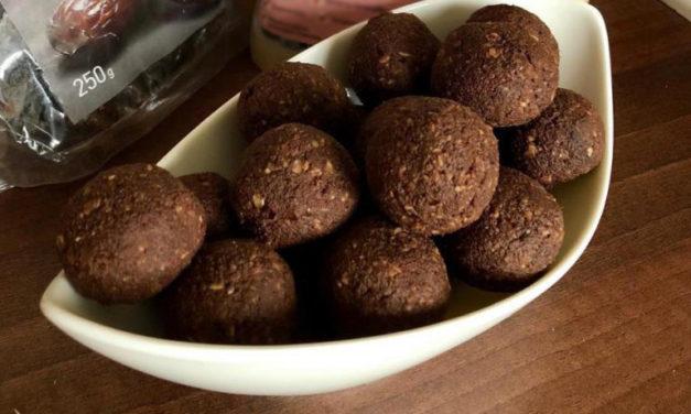 Protein-Kugeln mit Datteln (glutenfrei, milchfrei, ohne Zuckerzusatz, sojafrei, vegan)
