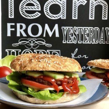 Hamburgerbrötchen (glutenfrei, hefefrei, kohlenhydratreduziert, milchfrei, sojafrei, vegan)