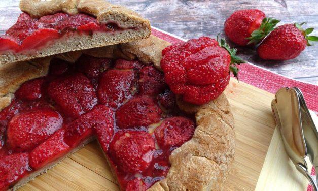 Erdbeer-Galette mit reduziertem Ballaststoffgehalt (eifrei, fettarm, glutenfrei, milchfrei, ohne Zuckerzusatz, vegan)